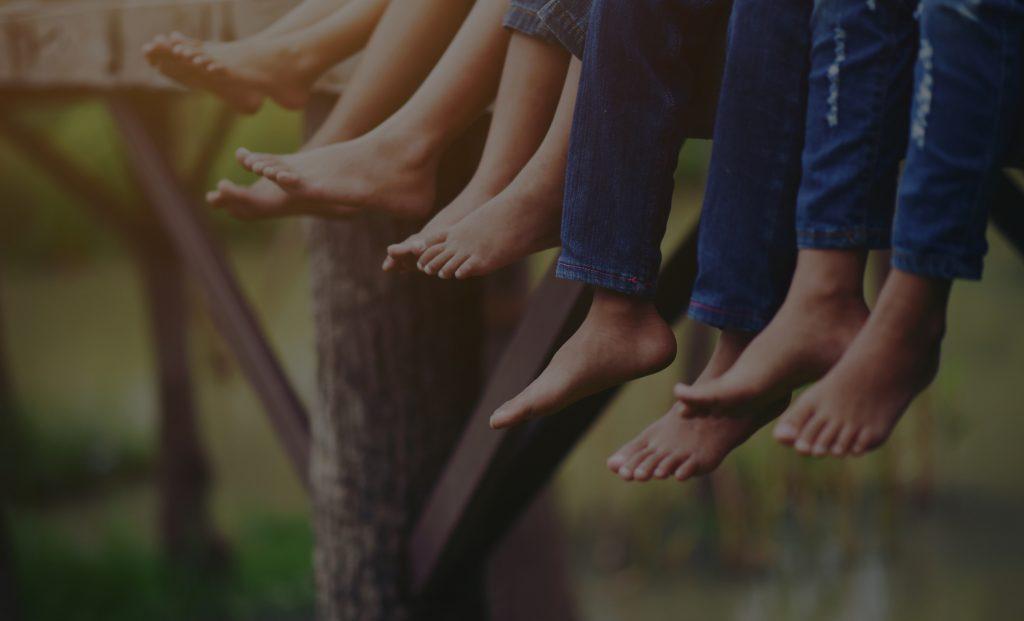 Praktijk Mirosa beeld grijze achtergrond voetjes 2